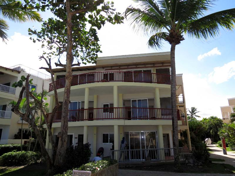 2 bedroom Penthouse (3th floor) with a huge private balcony overlooking the ocean - Cabarete Kitebeach,  2 bedr. Penthouse with stunning ocean views - Cabarete - rentals
