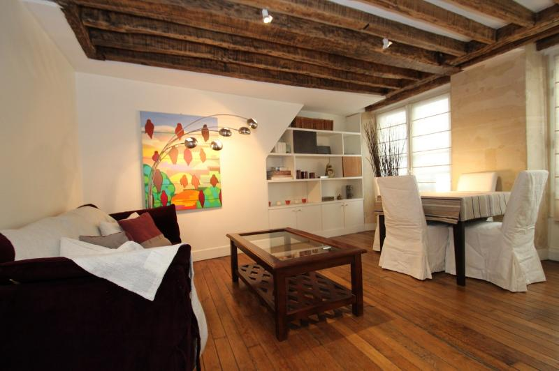 Elegant 2 bedrooms flat in Le Marais - Image 1 - Paris - rentals