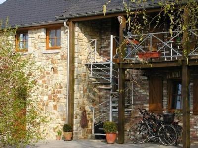 Privat entrance with  stairs Vue au Jardin - Aux deux Bouleaux Apartment Vue au Jardin - Hombourg - rentals