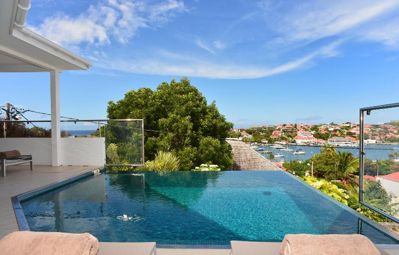 2 Bedroom Villa in Gustavia, Walking Distance to Shell Beach - Image 1 - Gustavia - rentals