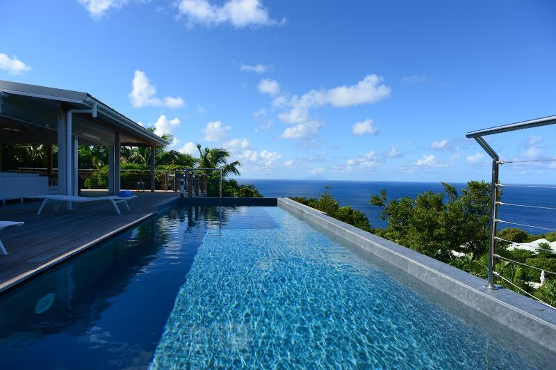 Ideal 4 Bedroom Villa Overlooking the Ocean in Gouverneur - Image 1 - Gouverneur - rentals