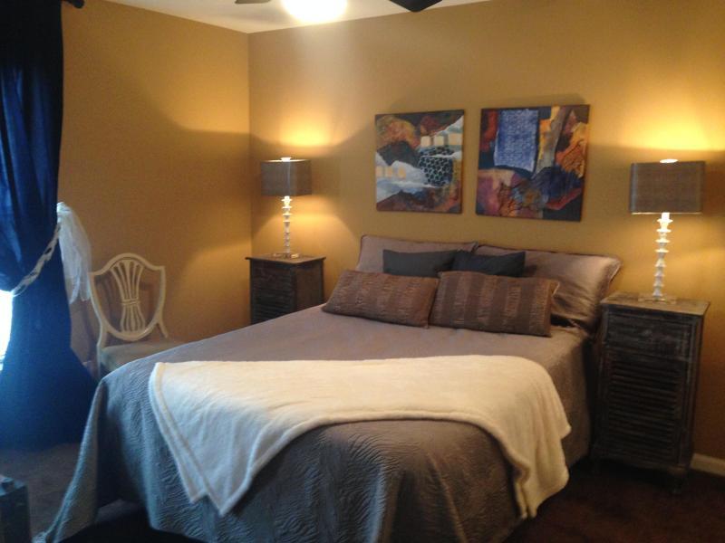 Second Floor Master - Baxter Avenue - Louisville - rentals