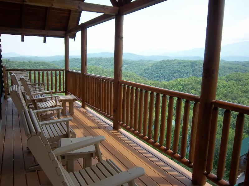 Breathtaking View From Main Deck - Movie Theater,Breathtaking Views,Karaoke,XBox,WiFi - Pigeon Forge - rentals