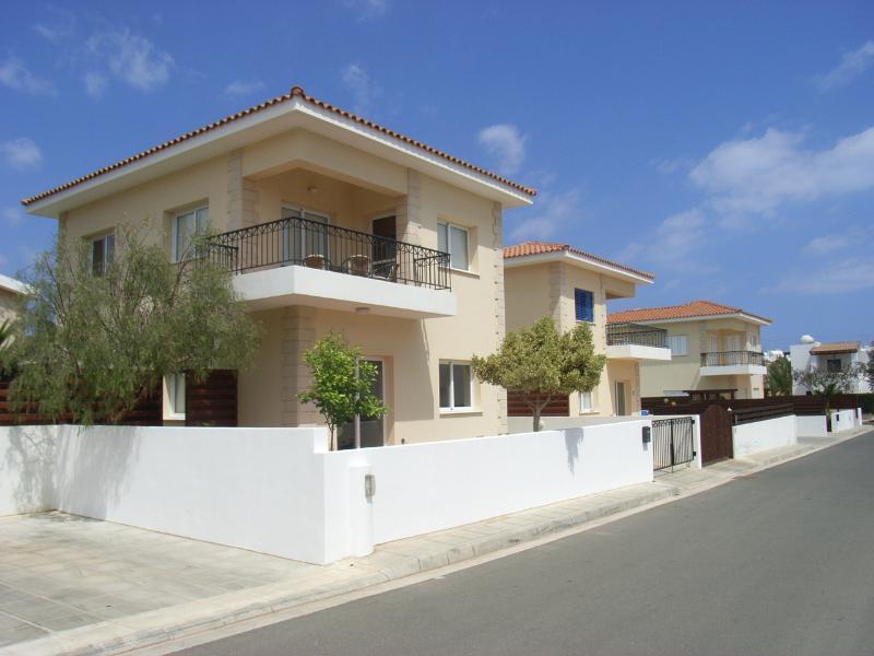 Lemon Tree Villa - 85297 - Image 1 - Paralimni - rentals