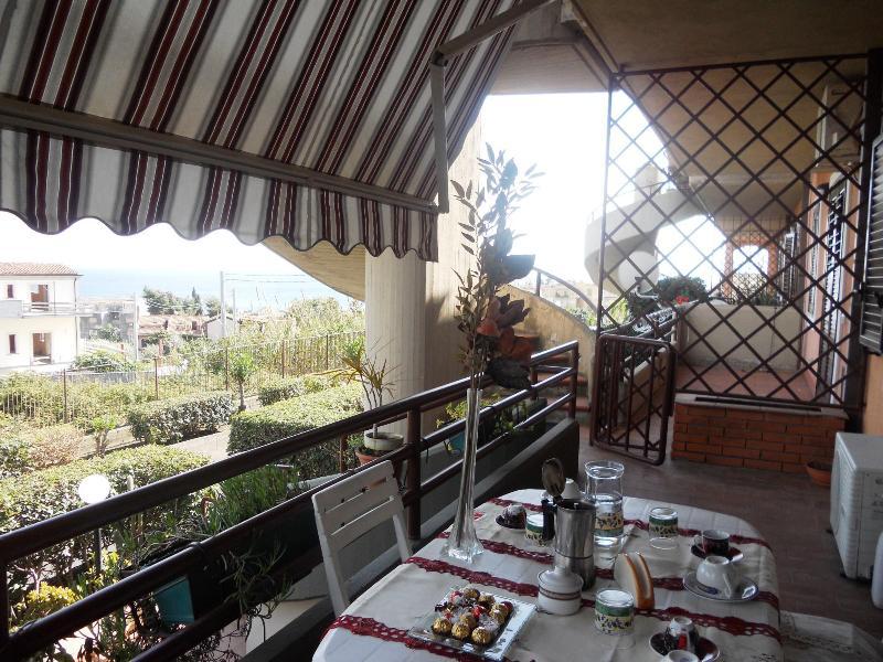 MY NAME IS VERA: cozy villa just 300 metres away the sea - Image 1 - Valverde - rentals