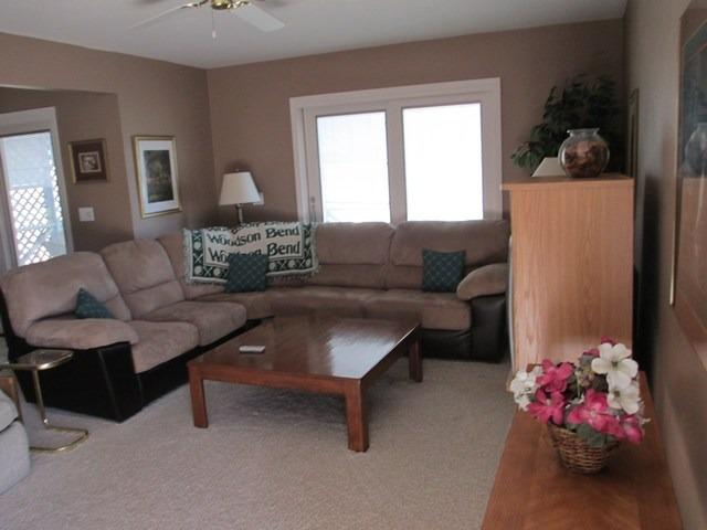 Living Room - 071-4 - Bronston - rentals