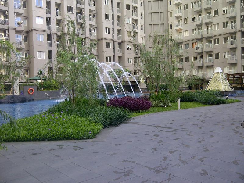 swimming pool - Apartment 2 Bedroom, Royal Mediterania Garden, Jakarta - Jakarta - rentals