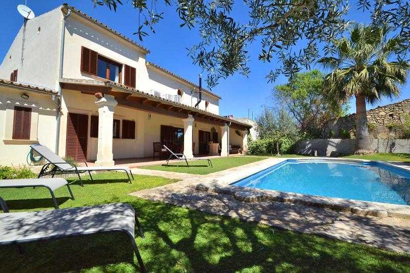 Beautiful Villa Majorca with pool acc and wifi - Image 1 - Vilafranca de Bonany - rentals