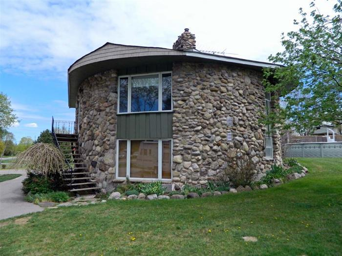 West Lake Roundhouse Suite - Image 1 - Prince Edward County - rentals