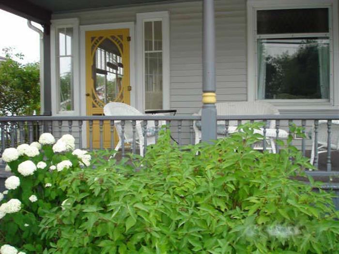 Hollyhock House - Image 1 - Prince Edward County - rentals