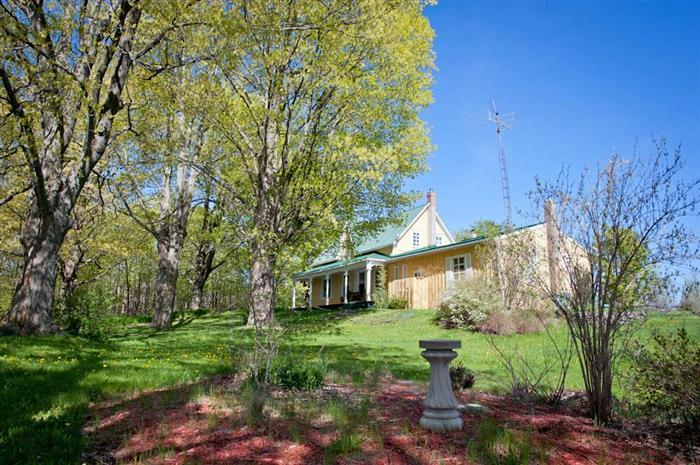 Harinui Farm - Golden Glen Farmhouse - Image 1 - Prince Edward County - rentals