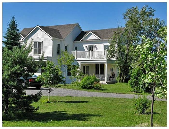 The County White House - Image 1 - Prince Edward County - rentals