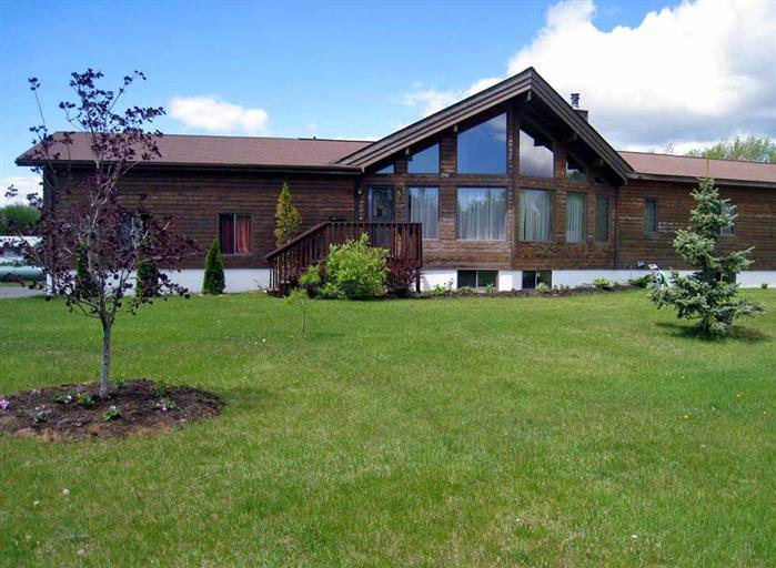 West Lake Cedar House - Image 1 - Prince Edward County - rentals