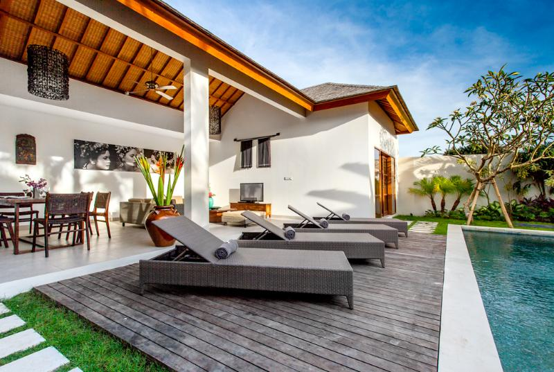 Living area connecting with pool deck - ECHO BEACH VILLA 2, Best value Beach Villa ! - Canggu - rentals