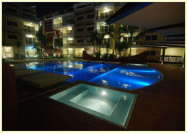 LARGE & SO COMFORTABLE APARTMENT IDEAL FOR FAMILIES, only 1 block from 5th av - Image 1 - Playa del Carmen - rentals