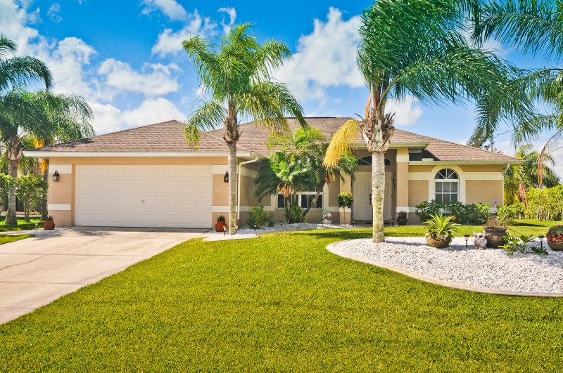 Villa Tropical Breeze - Villa Tropical Breeze Cape Coral 3/2 Waterfront - Cape Coral - rentals