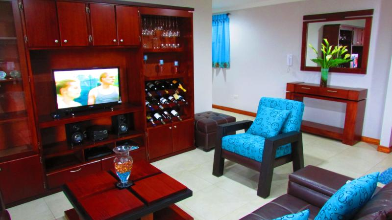 social area, has everything you look, all the photos are real - The Best Condo For Rent - Cuenca - rentals