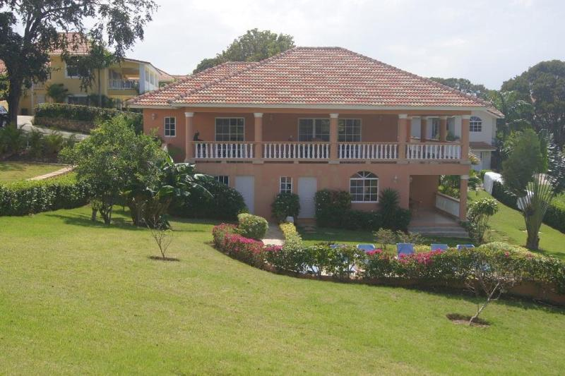 3 Bedroom Villa walking distance to downtown - Image 1 - Sosua - rentals