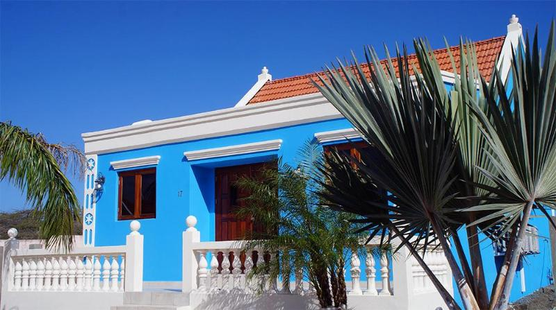 Front (Garden under construction) - Aruba Cunucu house with pool 3 bed - 2 bath - Oranjestad - rentals