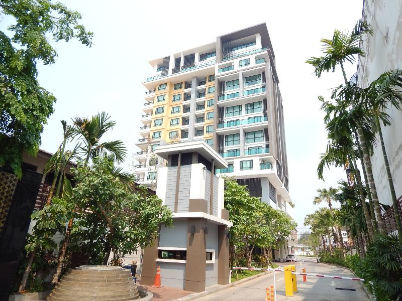 The Shine, right corner,just below the penthouse,180 degree view of CM,2 balconies - The Shine, new 4 star condo - Chiang Mai - rentals