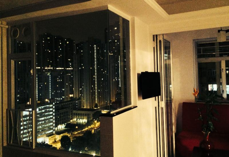 Beautiful view in the night from our living room - 3 Bedroom Apartment in Mong Kok - Hong Kong - rentals