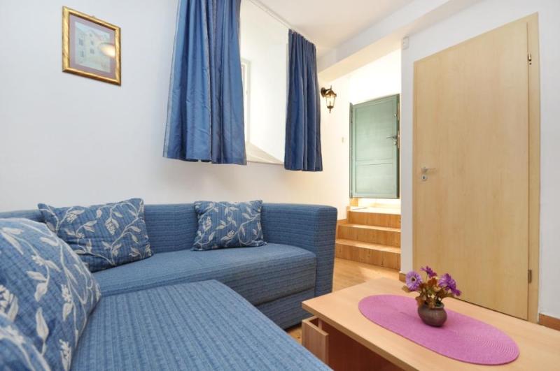 Apartments Sandra Supetar - Apartment Andrea - Image 1 - Solin - rentals