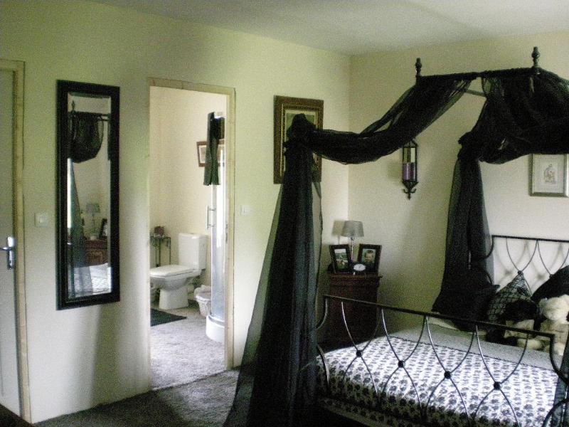 Beautiful Bed & Breakfast Room - Bed & Breakfast in the Beautiful Normandy Countryside - Le Mesnil Garnier - rentals