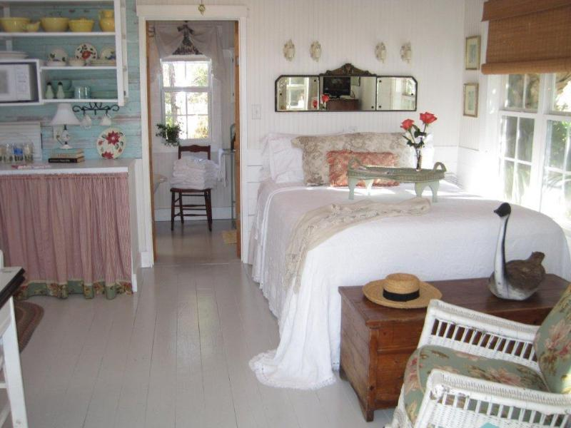 Twin Palms Cottage Featured on Tour of Homes - Image 1 - Tybee Island - rentals