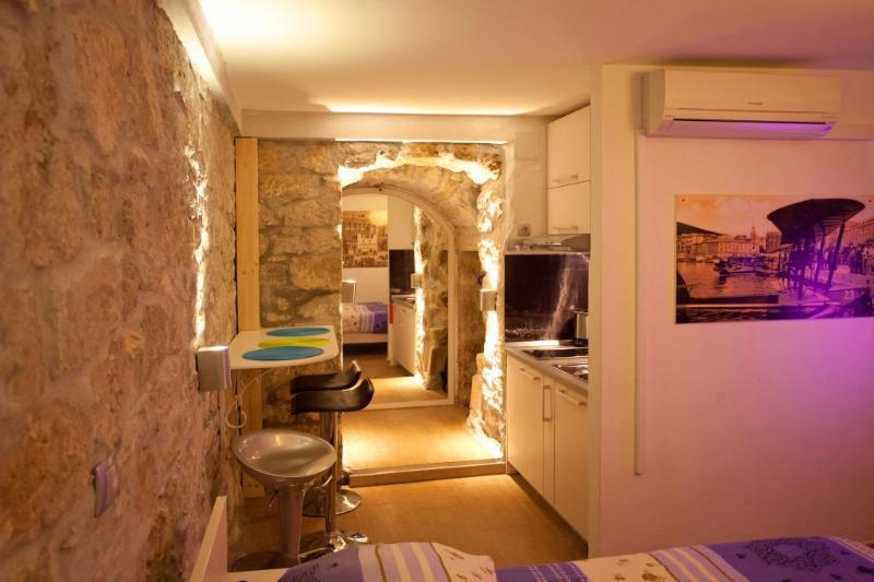 Studio - Studio Veli Varos with top position in old town - Split - rentals