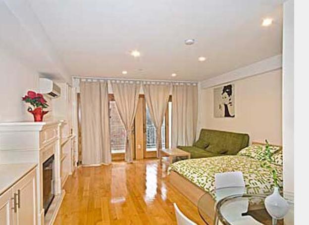 Huge studio _elevator bldg_wash/dryer_Midtown East - Image 1 - New York City - rentals