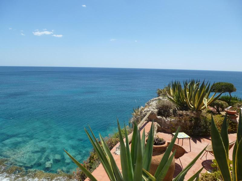 View of the cliff - Villa Lia on the stunning cliff of Fontane Bianche - Syracuse - rentals