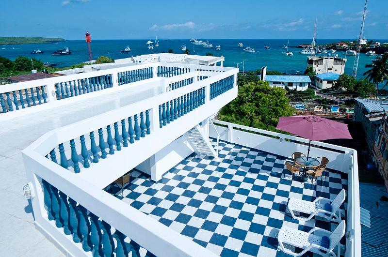 Ocean View Casa Marina Villa - Ocean View Home Centrally Located - Puerto Ayora - rentals