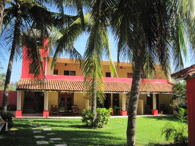 Exterior looking from the ocean side - Ocean Front Villa w/swimming pool - Bajos del Ejido - rentals