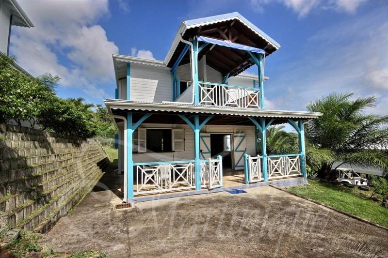 Villa Cap Chevalier proche des plus belles plages - Image 1 - Sainte-Anne - rentals