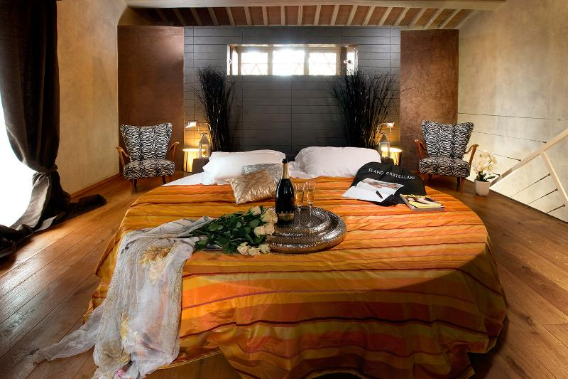Master bedroom - 3Bedrooms home in Chianti, near Florence with pool - Rignano sull'Arno - rentals