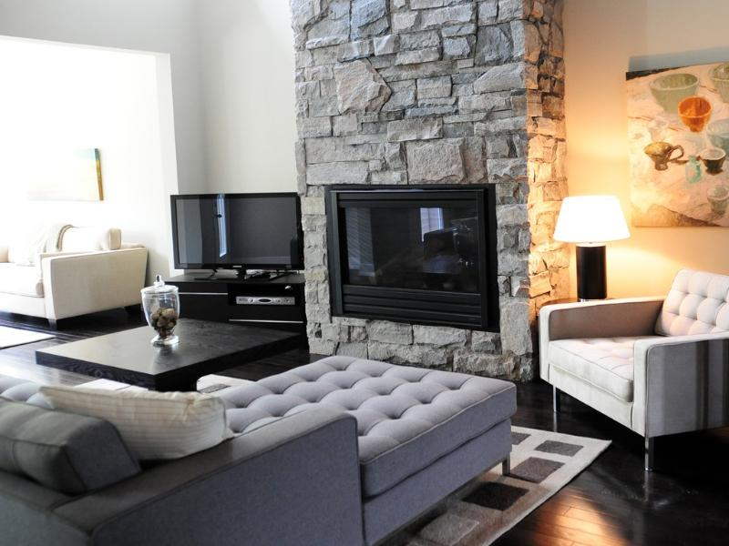 Living Room with Stone Gas Fireplace - 4 bedroom Villa on Canada's #9 ranked golf course - Brighton - rentals