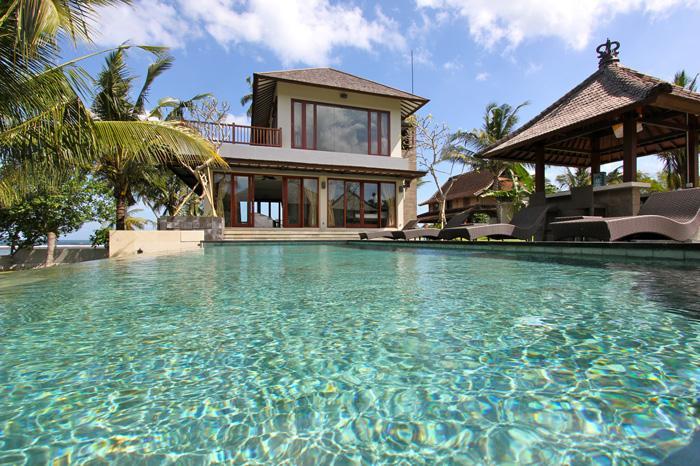 View of Villa, swimming pool & cocktail bar - Balian, Bali - Luxury 4 bedroom beach villa - Tabanan - rentals