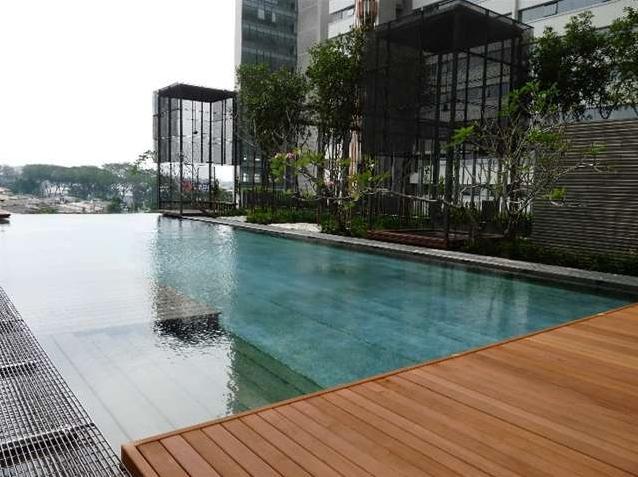 Ourdoor infinity pool, children pool with landscape garden - PJ8 Service Suite Near Train Station w. Pool View - Petaling Jaya - rentals