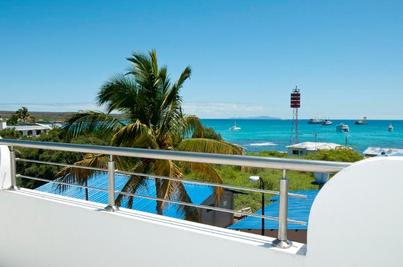 Bay View House With Ocean View Balcony One Bd Apt - Image 1 - Puerto Ayora - rentals