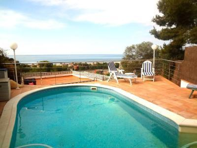 Villa in Castelldefels with seaside views, 2km to the beach! - Image 1 - Castelldefels - rentals