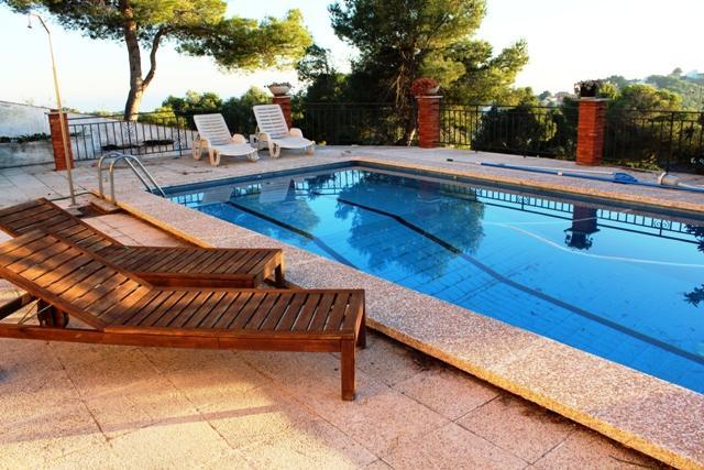 Coastal villa in Castellet, 5km from Costa Dorada beaches - Image 1 - L'Arboc - rentals