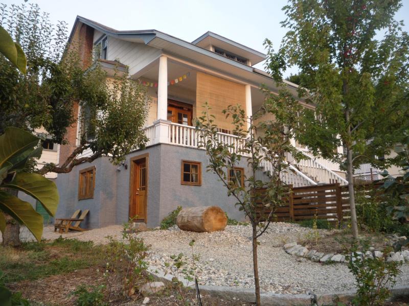 Exterior of house showing the garden suite entrance - Cedar Street Garden Suite - Central - Nelson - rentals