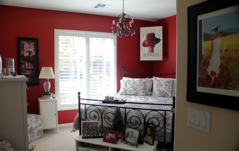 Guest Bedroom - Winter Oasis - Florence - rentals