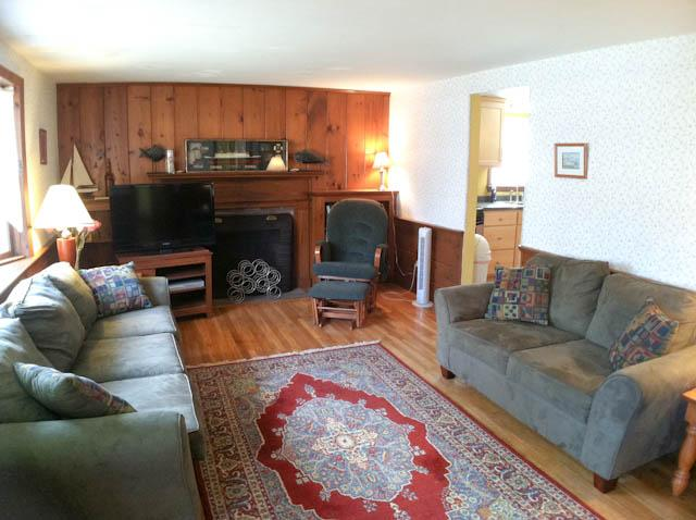 Living Room - Close to Sea St. Beach: 3 Bedrooms, 2 A/Cs, washer/dryer & sunroom - DE0554 - Dennis - rentals