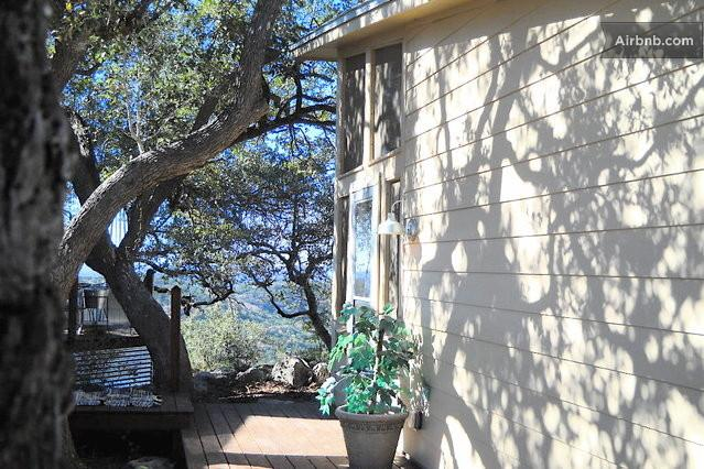 The Guest House - Private Hill Country House w/ Screen Porch & Views - Pipe Creek - rentals