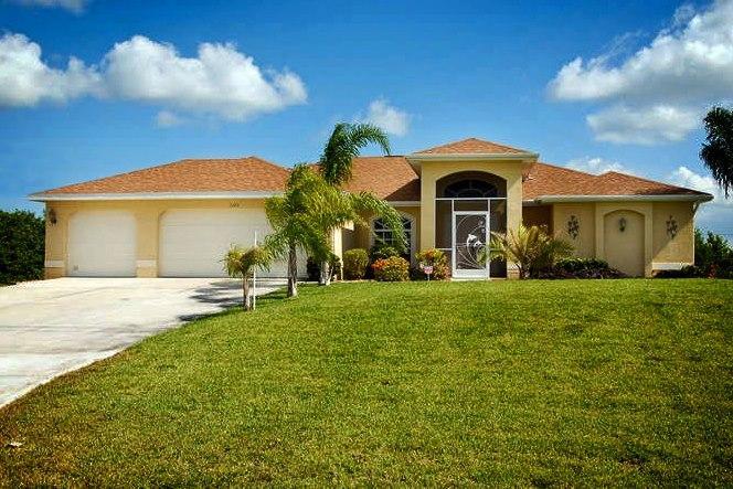 Villa Papaya - Villa Papaya - Canal/pool/dock, Quiet Neighborhood - Cape Coral - rentals