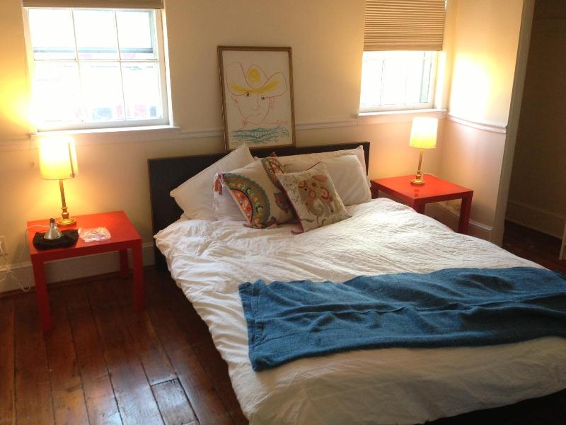 The Picasso Room has a queen bed and is comfy, cheery, and colorful! - Fabulous, Historic Townhouse in Center City! - Philadelphia - rentals