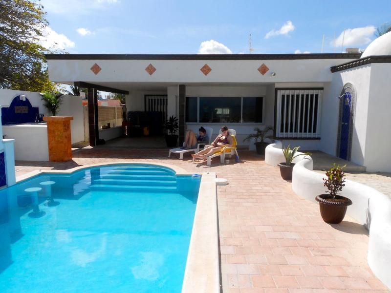 Paradise Palms Beachhouse in Chelem - Image 1 - Chelem - rentals