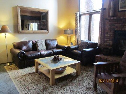 living room - Gorgeous Home!  4 rooms/3 bathroom Mammoth Creek - Mammoth Lakes - rentals