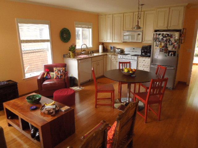 Living room, dining area and kitchen - 2-Bdrm Cottage, 2 Blocks from Beach - Santa Cruz - rentals